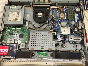 一体型パソコンのデータ復旧、内部クリーニング