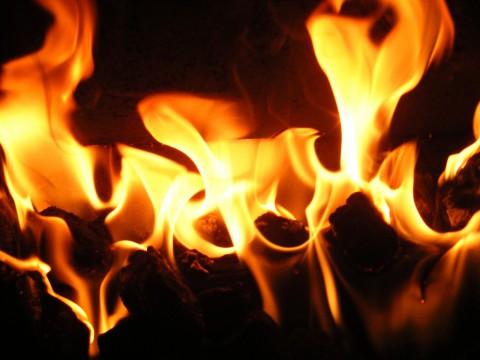 SNS炎上を防ぐ対策と、起きた時の対応